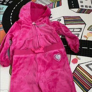 Baby girl's juicy couture velour sweat suit